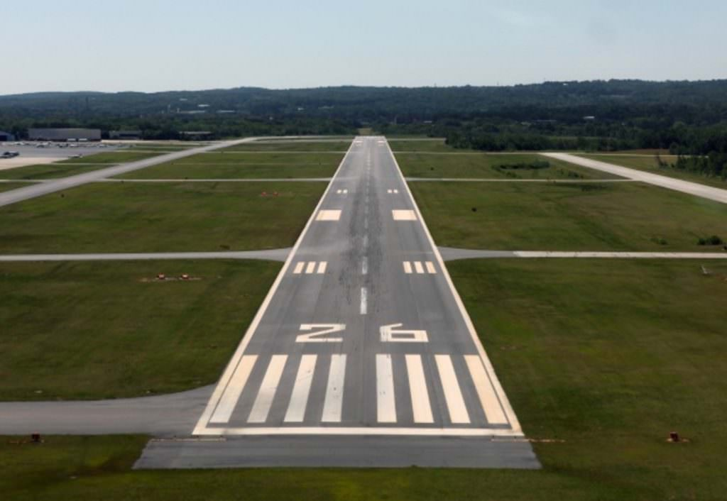 9. Har du sett att det är siffror på landningsbanorna?