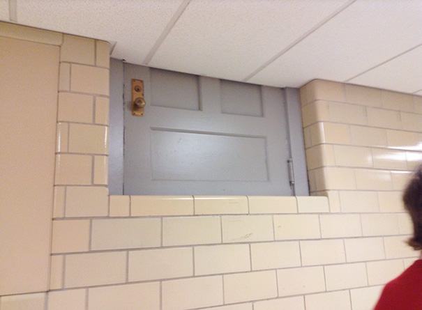1. Den här dörren hamnade lite fel