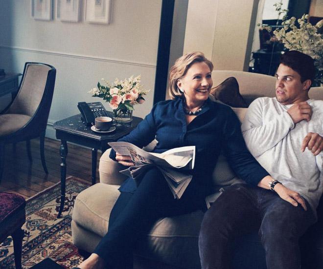 1. Här tillsammans med Hillary Clinton