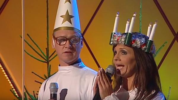 Robert Gustafsson och Lena PH firar Lucia tillsammans - så galet roligt