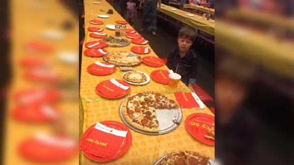 Ingen kom på 6-åringens kalas trots att 32 kompisar var inbjudna - efter några dagar ringer telefonen