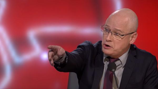 Robert Gustafsson påstår att sjukdomar inte finns - och hela Sverige skrattar rakt ut