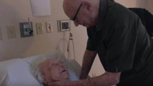 Efter 73-års äktenskap var hans fru döende - det han gjorde då är det mest rörande vi sett